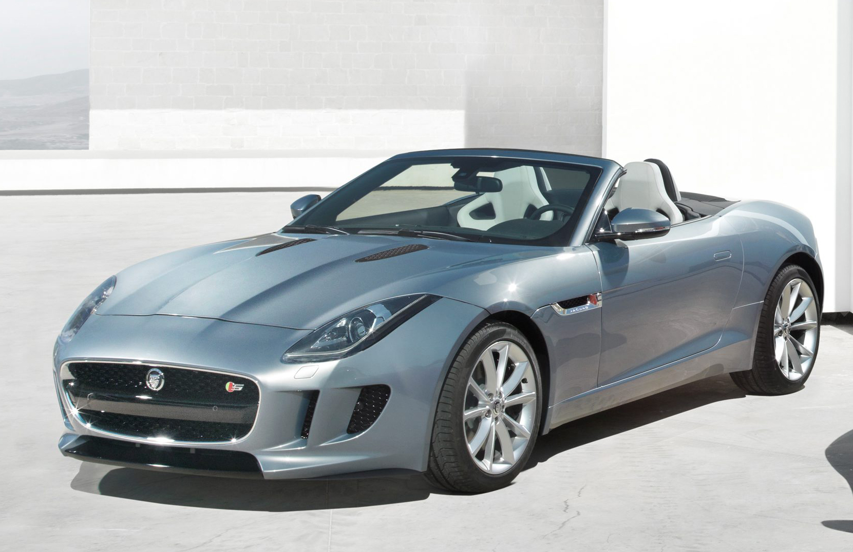 jaguar f type preview f is for far too expensive blog of speedblog of speed. Black Bedroom Furniture Sets. Home Design Ideas